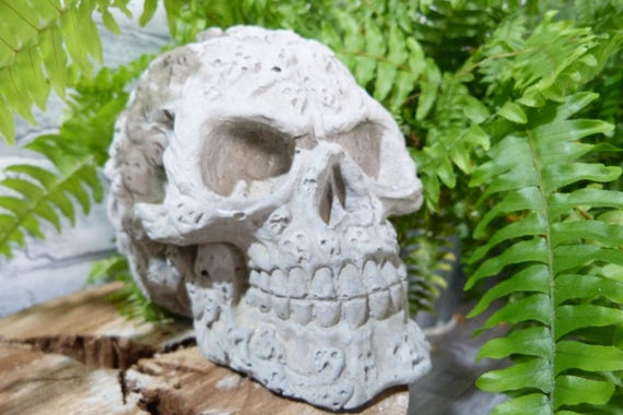Screaming Ghost Skull Garden Skull Halloween Skull