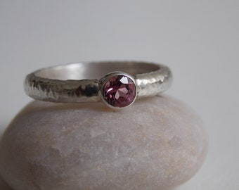 Engagement ring in silver and pink tourmaline
