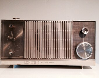 Vintage Zenith AM Radio & Clock