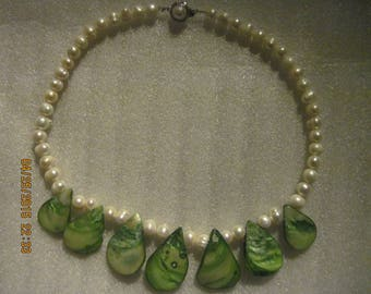 Vintage Women's White Pearls & Chartreuse Green Shells