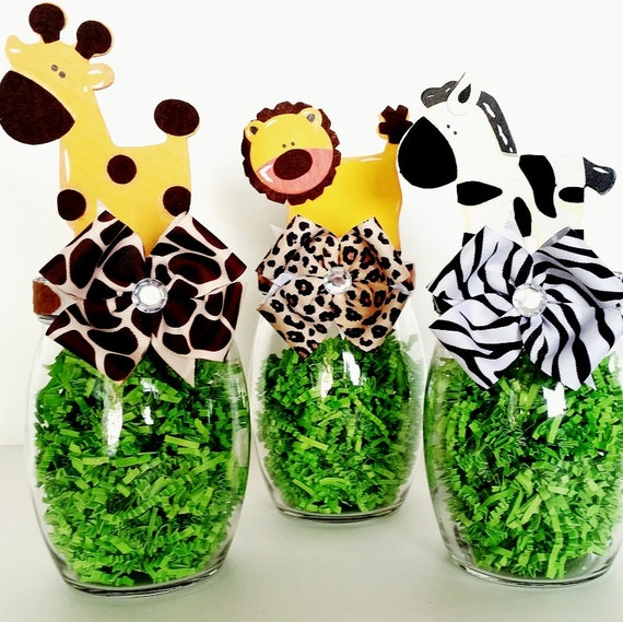 Safari centerpieces jungle animal table decorations mason for Animal party decoration ideas