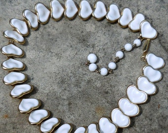 Vintage Poured Milk Glass Heart Necklace - Articulated!