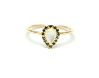 Pear Gold Ring, Pave Diamond Ring, Black Diamond Ring, Simple Gold Ring, Nacre Diamond Ring, Mother of Pearl Ring, Simple Engagement Ring