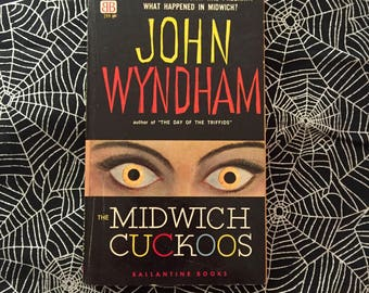 THE MIDWICH CUCKOOS (Vintage Paperback Novel by John Wyndham)