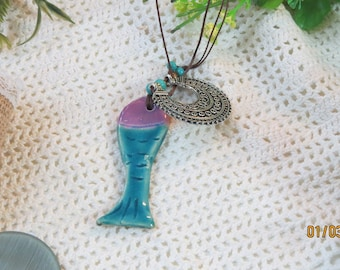 The purple fish necklace