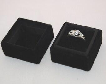 Square velvet ring box - Handmade ring box - Black velevt