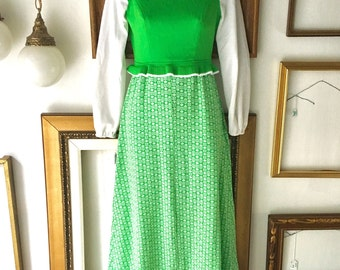 Vintage Patricia Fair Green Long Dress with Collar Vest and Sleeves