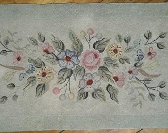 Beautiful Antique Cheticamp Nova Scotia floral hooked rug | rug hooking | Cheticamp rug | Cheticamp hooking | Nova Scotia rug | hooked rugs