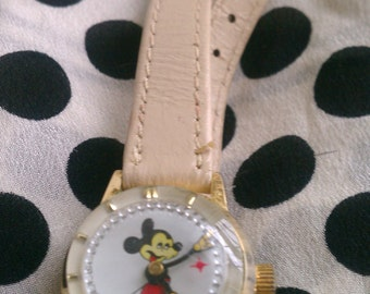 Vintage Mickey Mouse Watch Retro Windup Ladies Leather Band
