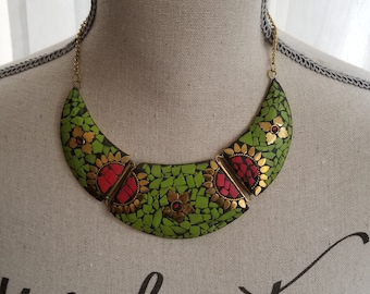 Mosaic collection - crescent necklace - parrot green