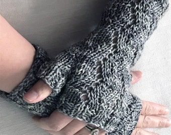 Zigzag Mitts Knitting Pattern