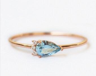 aquamarine and diamond ring, aquamarine and diamond engagement ring, aquamarine ring rose gold, alternative engagement ring aquamarine