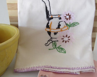 Kitchen Towel, Vintage Towel, Kitchen Decor, Tea Towel, Embroidered Towel, Vintage Linens