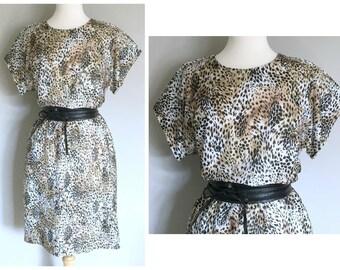 Vintage LEOPARD PRINT DRESS/ size Small-Medium