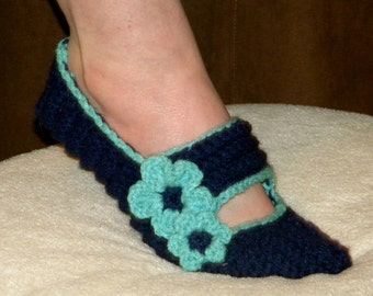 PATTERN - Ladies' Cute Mary Jane Slippers - Sizes Sm(5/6) Med(7/8) Lrg(9/10)