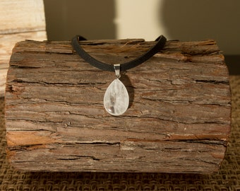 Quartz Teardrop Choker