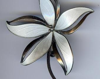 HROAR PRYDZ NORWAY vintage sterling silver white enamel dimensional flower pin