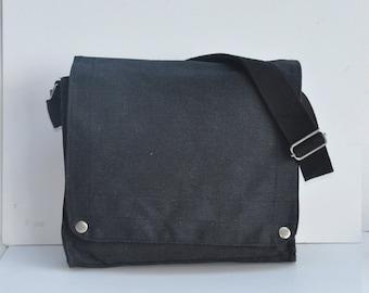 6 Blank Canvas messenger bag