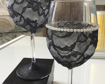 Black Lace - Set of 2 Wine Glasses
