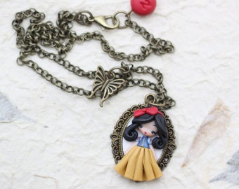 polymer clay necklace / snow white / disney /mini  princess / clay