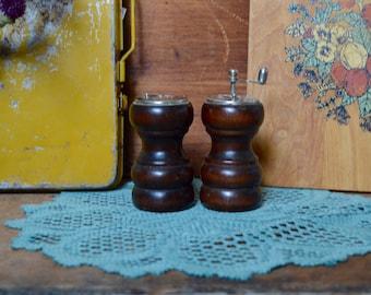 Vintage Wooden Salt & Pepper Shakers Grinders Primitive Rustic Wood Decor Farmhouse