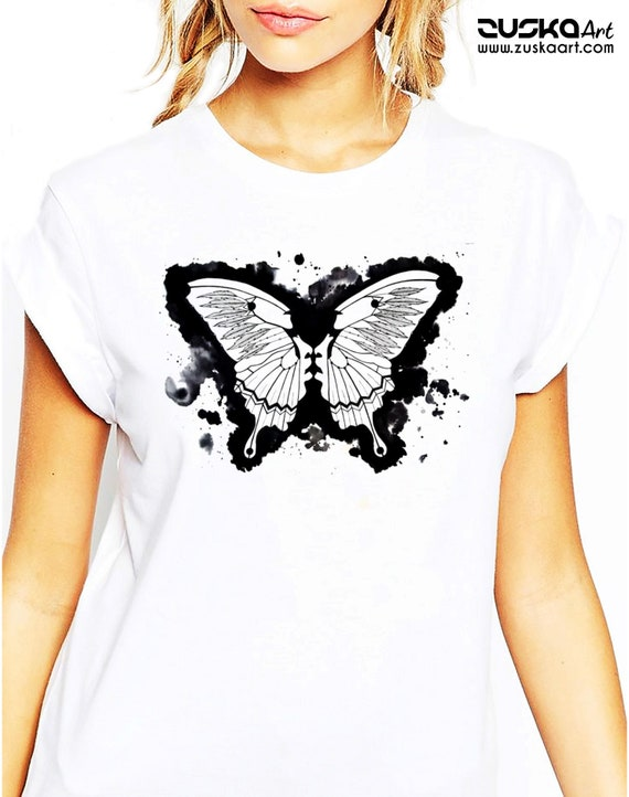 Butterflies in my stomach | Unisex T-shirt | Metamorphosis | Kissing faces | Sacred feathers | Native american art | ZuskaArt