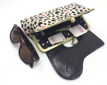 Vegan Bag, Wristlet Wallet, Vegan Leather, Black and White, Clutch Purse, Phone Clutch, Vegan Leather Wallet, Wristlet