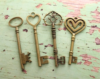 Set of 32 XL Keys Bronze Wedding Favors Pendants The Elegante Collection