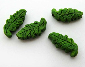 20 Tiny Green Leaf Beads