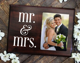 FREE SHIPPING Mr and Mrs Sign Picture Frame Mr and Mrs Frame Wedding Photo Frame Picture Frame Anniversary Gift Wedding Gift for Her