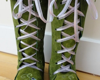 Earthgarden Fairytale knee high Boots in Moss green with rubber soles, felt lining and flowers.