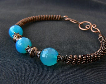 Boho copper bracelet, Blue agate bracelet, Wire wrapped bracelet, Cuff bracelet, Antique copper bracelet, Gift for her, Unique jewelry