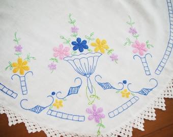 Vintage Embroidered Oval Table Runner / Dresser Scarf: French Knot Flower Arrangement 1940s