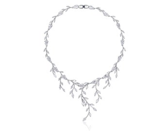 Delicate Intertwined Necklace