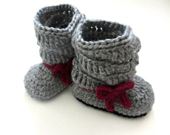 Baby Boots - baby bow slouchy boots - Little girl slouch boots  - pink and gray - crochet knit baby shoes - winter booties