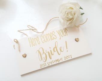 Here Comes Your Bride Sign.  Here Comes The Bride Wedding Sign.