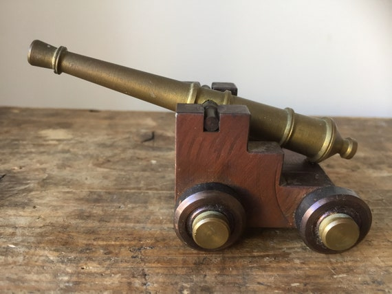 Antique Cannon in brass / cannon minature with patina based on Swedish military Scandinavian replica