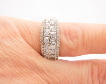 1.00 Carat Total Weight Ladies Baguette & Round Cut Diamond Ring White 14K