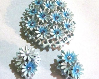 Vintage mid century Blue enameled rhinestone flower BROOCH pin and clip EARRINGS jewelry SET