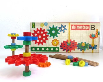 1960s Vintage Construction Set, Sio Montage B Building Toys, Mid Century Architectual Toy. Plastic Gears, Bolts and Nuts with Wood Dowels