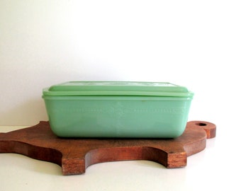 Vintage Fire King Jadeite Loaf Pan with Lid, 1940's Green Refrigerator Dish, Bread Dish, Philbe Pattern, Anchor Hocking