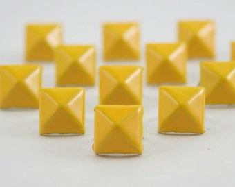 50 pcs. Yellow Pyramid Studs Rivets Biker Spikes spots nailheads Decorations Findings 9 mm. CKSP95