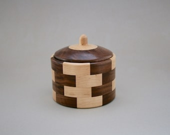 Segmented Walnut and Maple Round Box