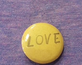 LOVE - Button / pin