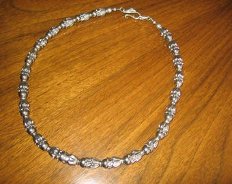 19-inch Metal Petal and Bead Necklace