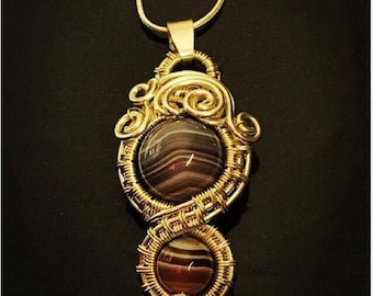 Sterling silver wirework Crazy Lace Agate pendant