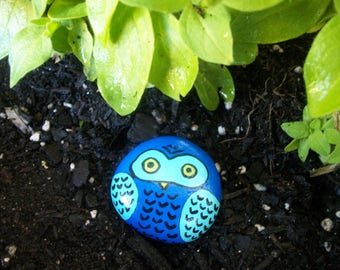 Owl Painted Garden Stone, Garden Decor, Garden Art, Garden Rocks, Painted Rocks, Kindness Rocks, Owl Plant Decor, Owl Party, Gift Ideas