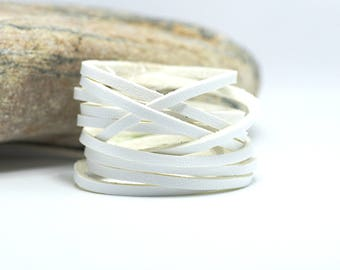 2 meters of suede effect - width 3 mm - white color leather cord