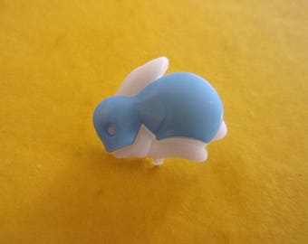 Button shank in the shape of Bunny Blue and white acrylic - 16mm x 18mm