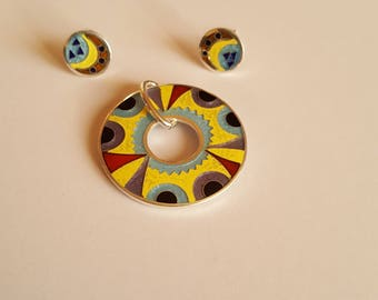 Set from an earring and a pendant